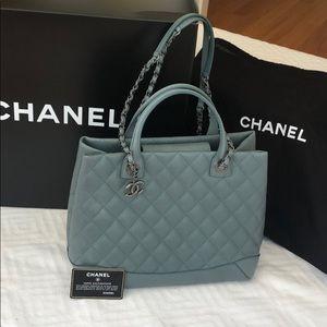CHANEL Easy Shopping Handbag